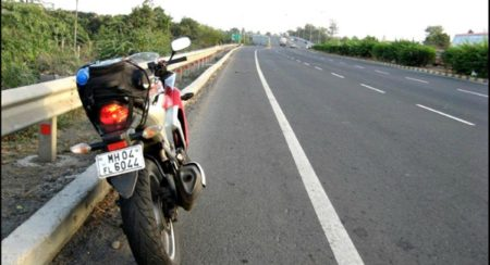 Top 5 motorcycles for touring which are priced below INR 3 lakh