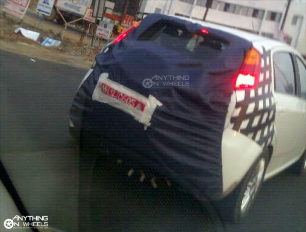 Fiat-Punto-Avventure-rear-view-spyshot