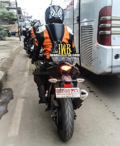 Kawasaki-150cc-yamaha-r15-rival-pics-3