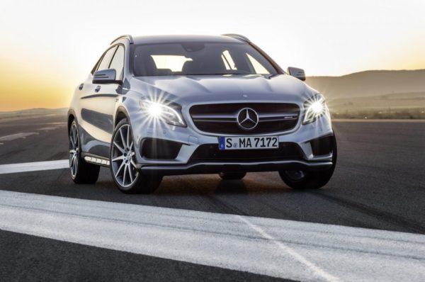 Mercedes-GLA-45-AMG-pics