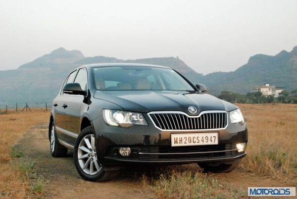 New 2014 Skoda Superb facelift India (14)