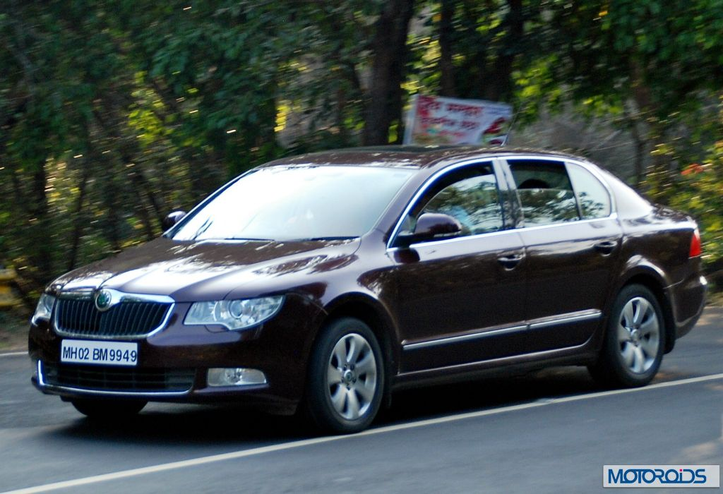 new 2014 skoda superb facelift exterior 14. Black Bedroom Furniture Sets. Home Design Ideas