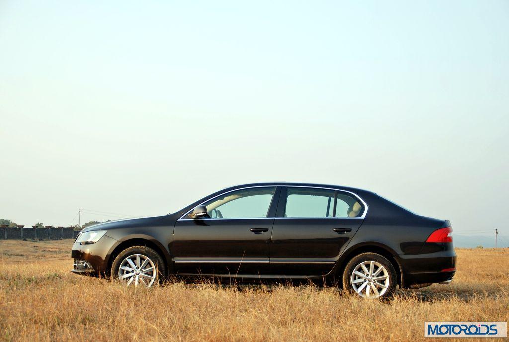 New 2014 Skoda Superb Facelift Exterior 28