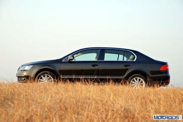 New 2014 Skoda Superb facelift exterior (31)