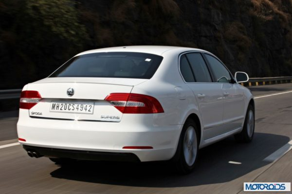 New Skoda Superb faceliftaction shots (16)