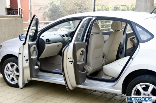 VW Vento 1.2 TSI DSG interior (36)