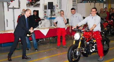 ducati monster 1200 begins production (2)