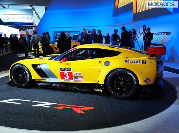 naias-chevrolet-corvette-c7-r-race-car-images-3