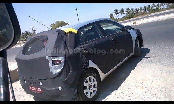 2015-Hyundai-i20-IAB-spied-side-profile