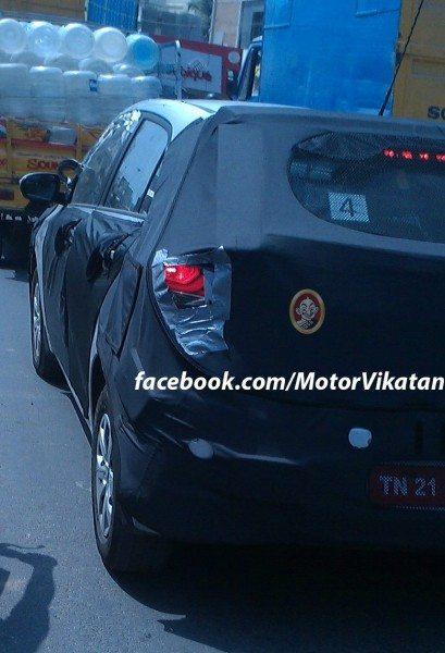 2015-Hyundai-i20-rear-spied-in-Chennai