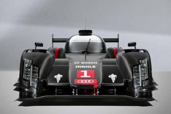 Audi-R18-e-tron-quattro-auto-expo-2