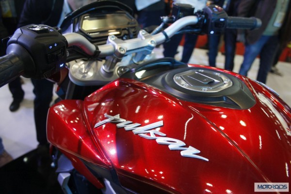 Bajaj-Pulsar-CS400-images-features-details-5