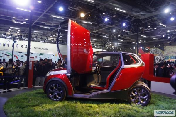 Bajaj U car Auto Expo 2014 (2)