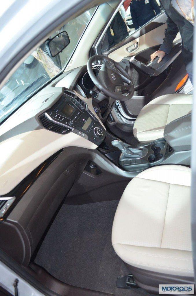 Hyundai Santa Fe Auto Expo 2014 (8)
