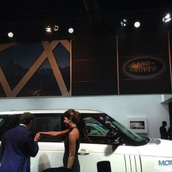 Land Rover Range Rover LWB and Evoque 9 Speed Showcased at Auto Expo 2014