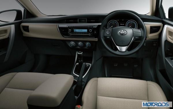 New-2014-Corolla-Altis-images-india-auto-expo-2014-3