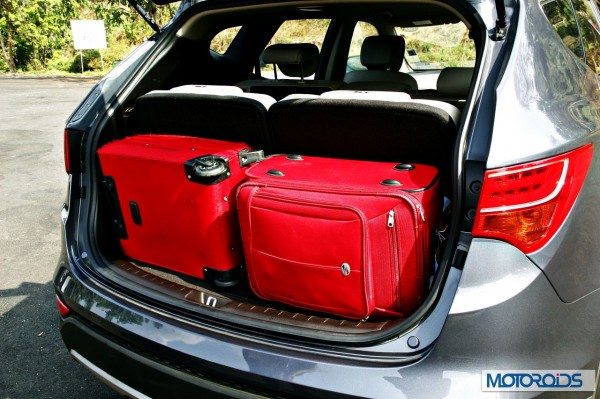 New Hyundai Santa Fe boot space (1)
