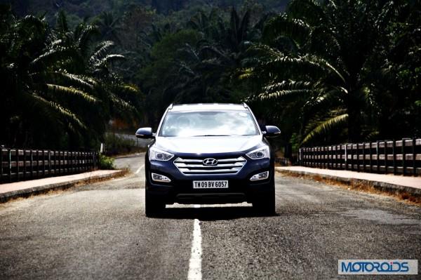 New Hyundai Santa Fe exterior action (1)