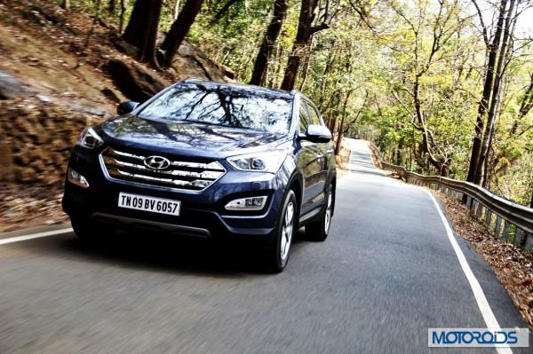 New Hyundai Santa Fe exterior action (15)