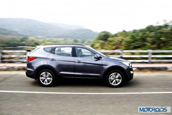 New Hyundai Santa Fe exterior action (28)