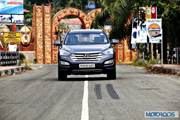 New Hyundai Santa Fe exterior action (34)