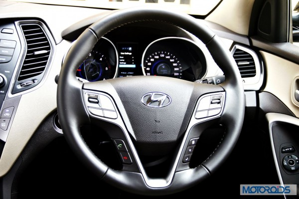 New Hyundai Santa Fe interior (6)