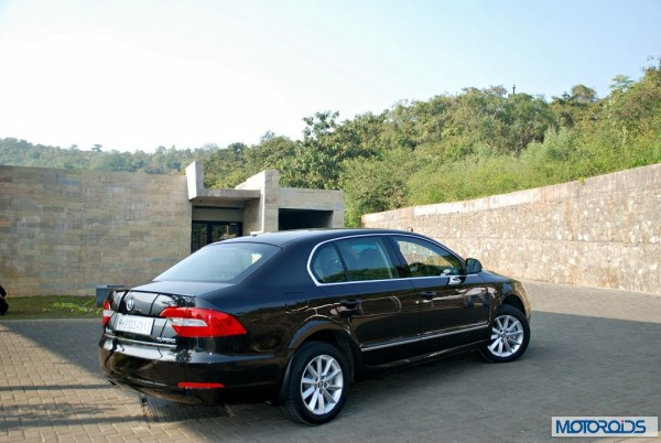 New-Skoda-Superb-faceliftact-india-launch-2