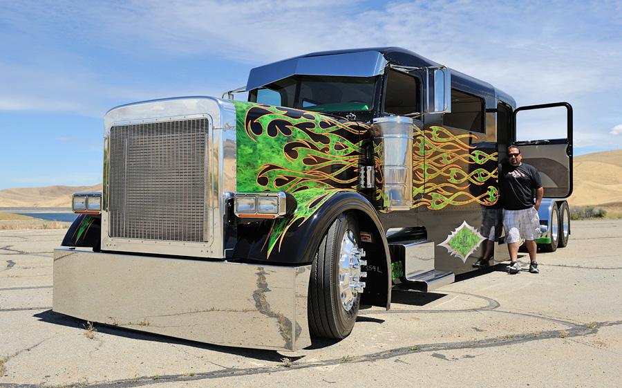 Peterbilt Truck Limo-2