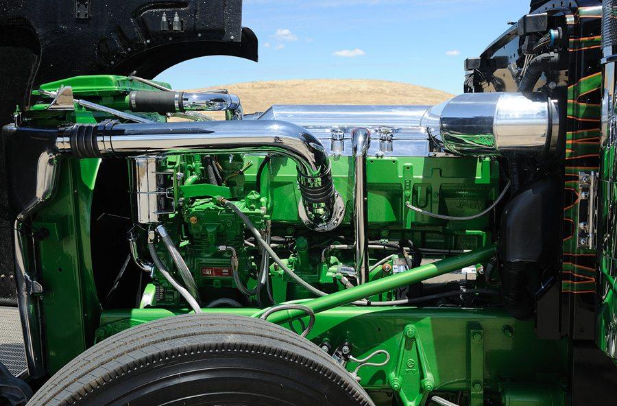 Peterbilt Truck Limo-4