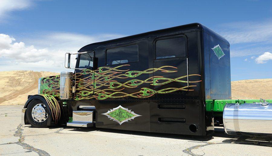 Peterbilt Truck Limo-5