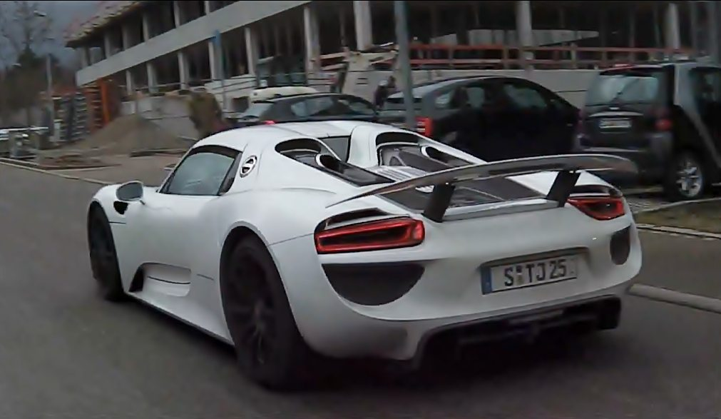 Porsche 918 Spyder Production Model spy pic