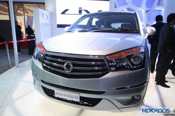 Ssngyong Rodius Auto Expo 2014 (1)