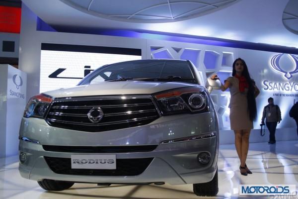Ssngyong Rodius Auto Expo 2014 (2)