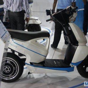 Terra Motors A 4000i scooter Auto Expo 2014 (1)