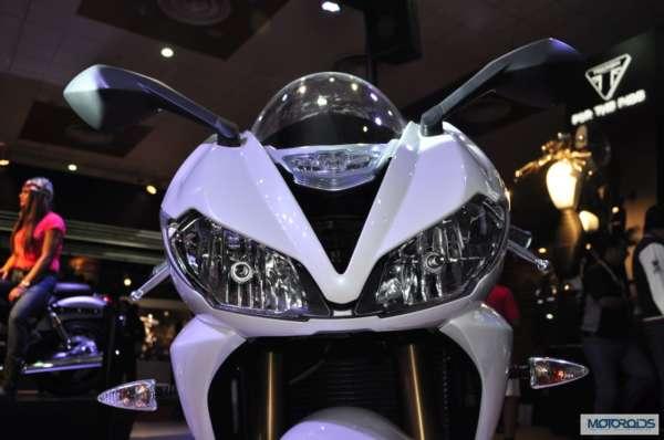 Triumph Motorcycles daytona 675 at Auto Expo 2014 (6)