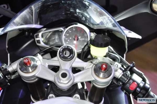 Triumph Motorcycles daytona 675 at Auto Expo 2014 (7)