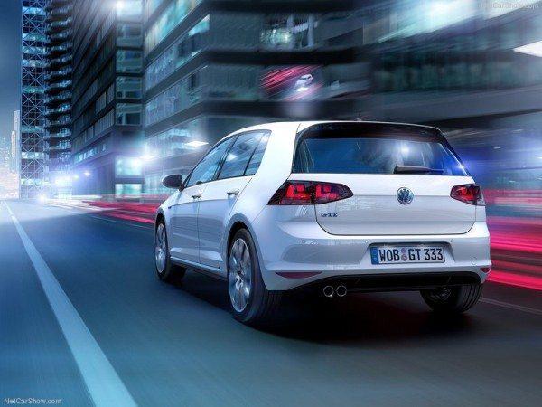 Volkswagen-Golf_GTE_2015 (2)
