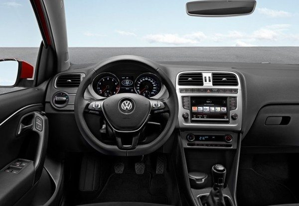 Volkswagen-Polo-facelift-pics-2