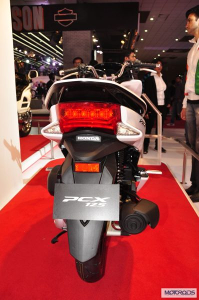 honda-pcx-scooter-expo-images- (1)