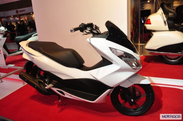 honda-pcx-scooter-expo-images- (2)