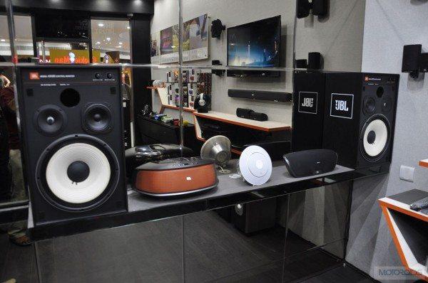 jbl-studio-chennai-ar-rehman- (2)