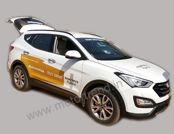 New Hyundai Santa Fe test drive vehicle snapped. Feb 5 Launch
