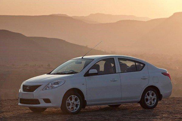 nissan-compact-sedan