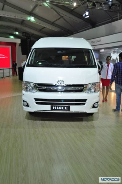 toyota-hiace-india-images-expo- (3)