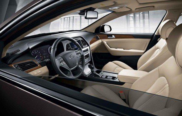 2015-Hyundai-Sonata-cabin