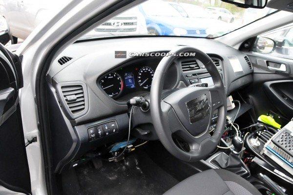 2015-Hyundai-i20