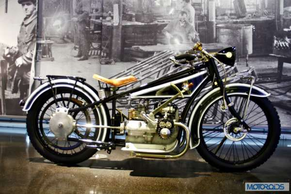 BMW Museum cars and motorcycles Munich (54)