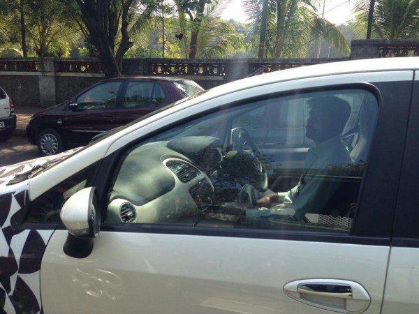 Fiat-Punto-facelift-interior-spied