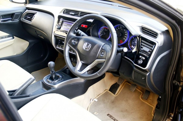 New 2014 Honda city interior (23)
