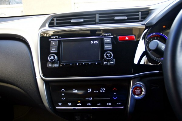 New 2014 Honda city interior (6)